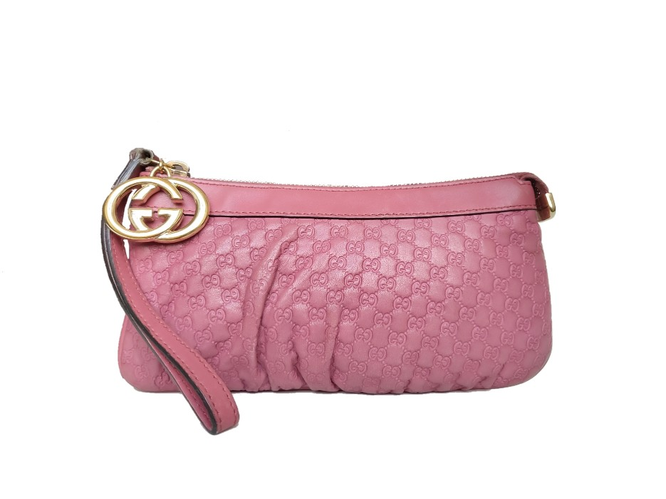 SOLD OUT Gucci Interlocking G Guccissima Leather Wristlet