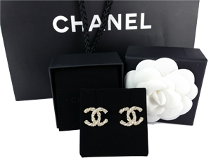 Sold Out BRAND NEW Chanel 2014 Crystal Gold CC Logo Earring