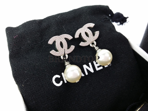 SOLD OUT Chanel Earrings Pearl