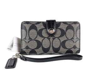 SOLD OUT BRAND NEW Coach Peyton Signature Phone Wallet F51700