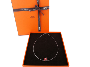 SOLD OUT BRAND NEW Hermes Red Cube H Necklace Palladium