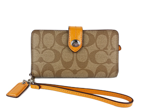SOLD OUT BRAND NEW Coach Peyton Signature Phone Wallet