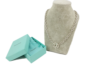SOLD OUT Tiffany & Co Medallion Toggle Necklace