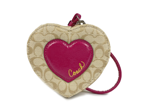 BRAND NEW Coach Heart Shaped Coin Purse F63221