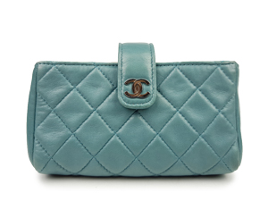 SOLD OUT Chanel Lambskin Zip Pouch