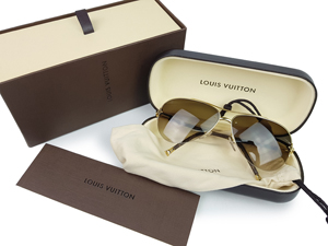 SOLD OUT BRAND NEW Louis Vuitton Petite Viola Pilote Sunglasses