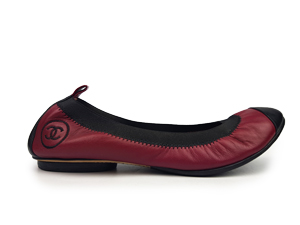 SOLD OUT Chanel Cap Toe Stretch Flats