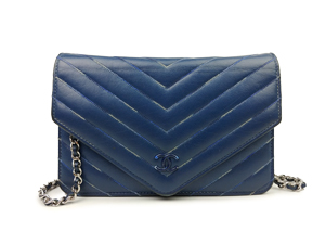 Chanel Chevron Wallet On Chain WOC