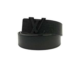BRAND NEW Louis Vuitton Taiga Initiales Belt