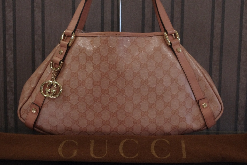 SOLD OUT Gucci Abbey Shoulder Bag Pink Crystal & Leather