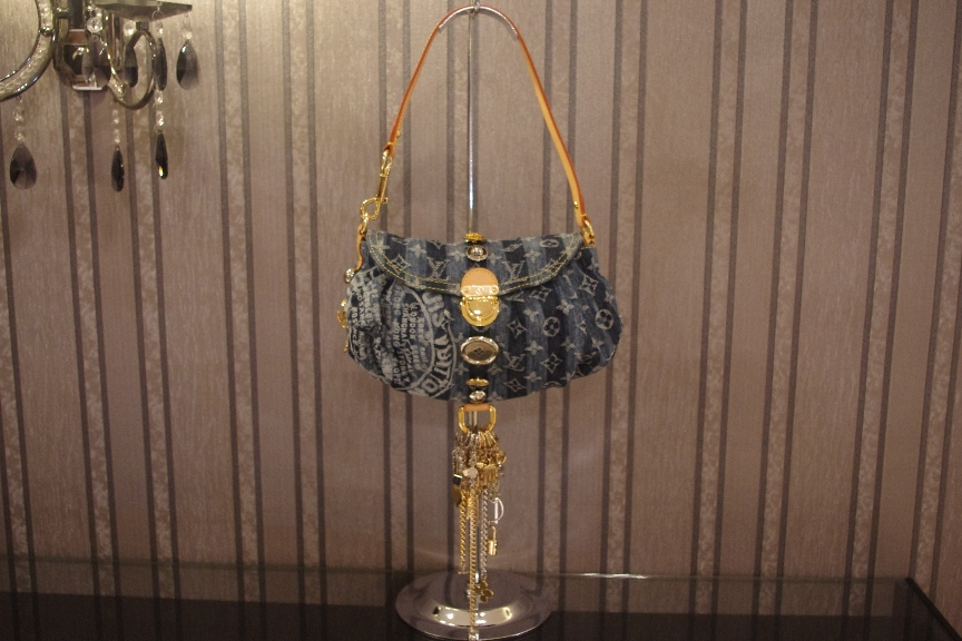Brand New Limited Edition Louis Vuitton Denim Mini Pleaty Raye