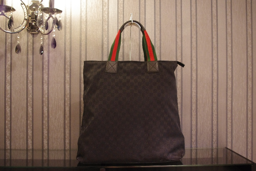 SOLD OUT Gucci Black Canvas In Red Shoulder Straps Tote