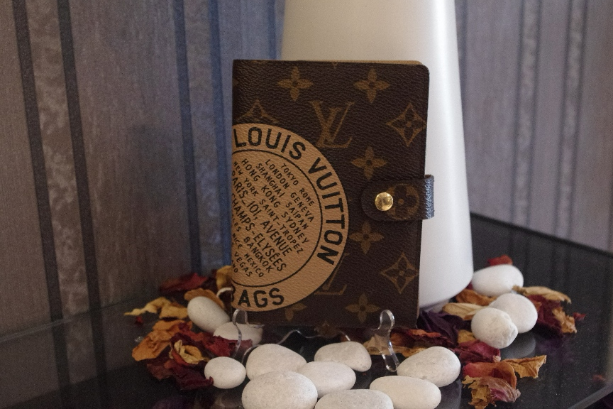 SOLD OUT Limited Louis Vuitton PM Monogram Agenda Cover