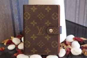 Sold Out Louis Vuitton Monorgam Canvas Small Ring Agenda Cover